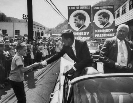 Source http://abcnews.go.com/Politics/OTUS/photos/rare-jfk-photos-16571685/image-16571813